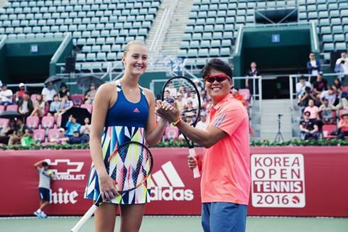 18일(일) WTA투어 코리아오픈 테니스대회 기념 아디다스 특별 이벤트 경기_크리스티나 믈라데노비치 선수, 가수 이재훈.jpg